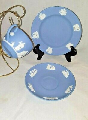 Wedgwood Jasperware blue cup saucer small luncheon plate 3 piece set late 1950's