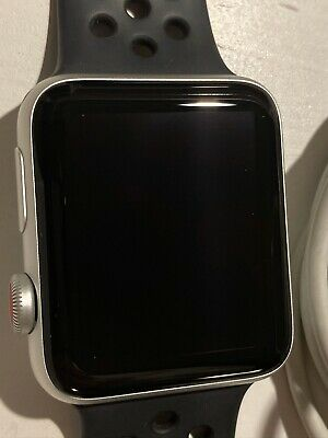 Apple Watch Series 3 GPS  Cellular 42mm Aluminiumgehäuse Silber mit Sportarmband