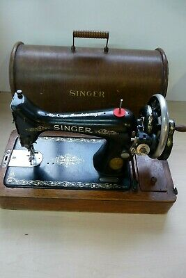 Vintage Antique Singer Sewing Machine Manual Hand Cranked In Wooden Case 19E