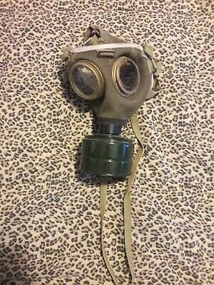 Gas Mask M76 Hungarian Military Surplus Collectible w/ Filter Costume no working