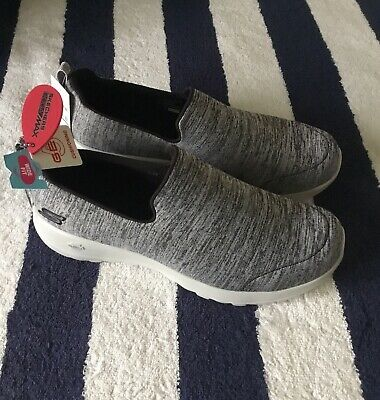 Brand new with Tags Womens Skechers GOGA MAX Slip On Trainers Grey UK 6 Wide Fit