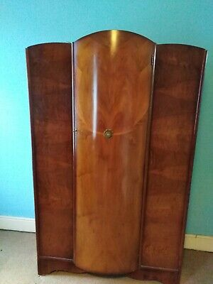 Vintage retro wardrobe. Antique wardrobe. Bow front. 120cm x 190cm x 50 cm