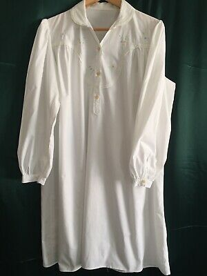 French VINTAGE Pure COTTON Nightie, NIGHTGOWN with Embroidered Bodice. Size L XL