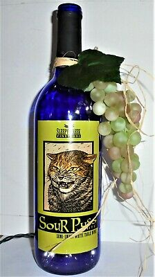 """/""""SOUR PUSS/"""" LIGHTED WINE BOTTLE w//GRAPES  Night Light HOME DECOR Vineyard Winery"""