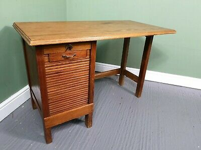 An Antique Early 20th Century Oak Small Desk ~Delivery Available~