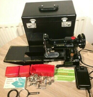 1960 Vintage Singer 222K RED S Free Arm Featherweight Sewing Machine