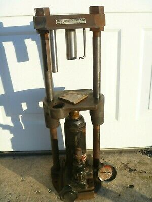 BUEHLER METALLURGICAL HYDRAULIC MOUNTING PRESS 1315 HAND OPERATED As Is
