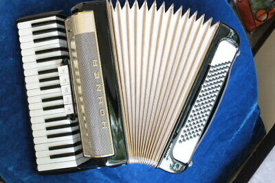 Hohner Piano Accordion Lucia III, 96 bass, 3 reeds LMM, vintage 1979, serviced