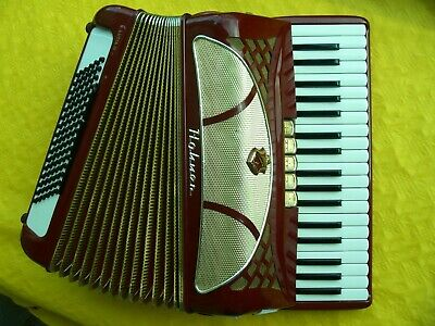 Hohner Accordion Lucia III, 96 bass, 3 reeds, vintage 1976, serviced