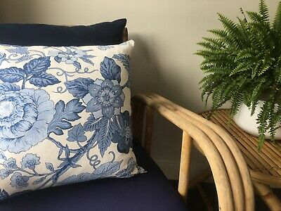 **BEAUTIFUL NEW  HAMPTONS STYLE BLUE WHITE FLORAL CUSHION COVER 45cm**