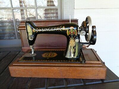 Beautiful Vintage Singer Table model Sewing Machine from 1912, sn F2554037