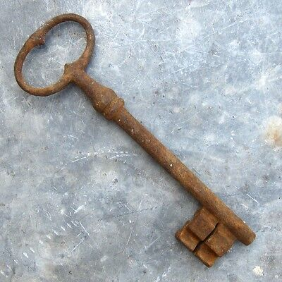 Large Antique French Key (6 ½ inches - 16.50 cm)