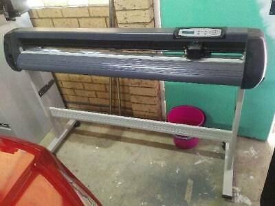 Vynil cutter/plotter never used 1350 wide cutting plotting