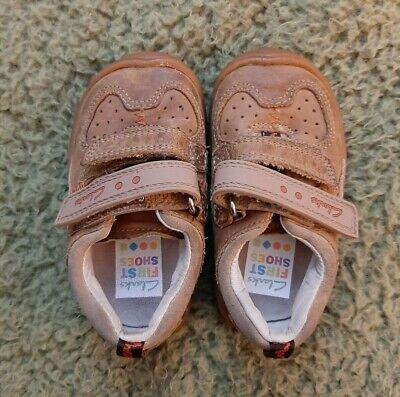 Clarks First Shoes Boys Girls Toddler Infant Brown Tan Size 4 G Velcro