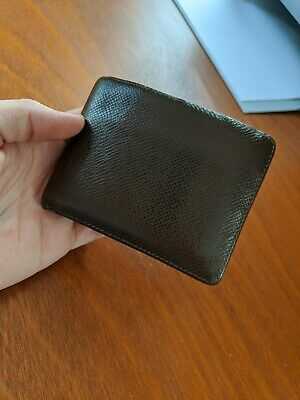 Louis Vuitton Taiga - Brown Leather Bi-Fold Wallet - (6) CC Slots - Authentic