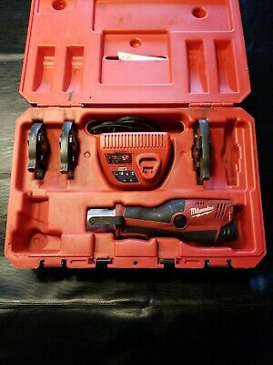 "Milwaukee M12 2473-22 Force Logic Press Tool 1/2""-3/4""-1"" battery and charger"