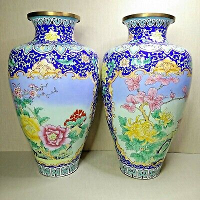 Antique A pair of Chinese  bronze and enamel large vases, 19th-20th century.