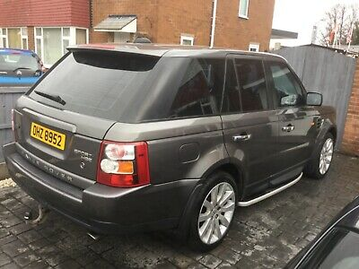 Range Rover sport with private plate