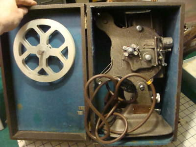 vintage KEYSTONE A-75 projector MOTOR WORKS AND LIGHTS in case 16mm