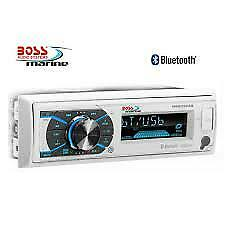 Radio Boss Marine MR632UAB con Bluetooth