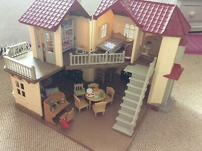 Sylvanian Families Beechwood Hall And Accessories