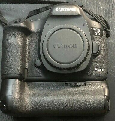 Canon EOS 5D Mark III 22.3MP Digital SLR Camera - Black With Vello Battery Grip