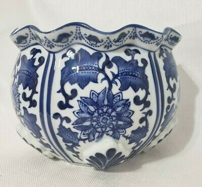 Oriental Blue and White Floral Design Planter Wall Hanging Half Round Succulents