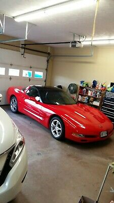 Chevrolet: Corvette Coupe Last of the C5 2004 torch red corvette mint!with10,000 miles