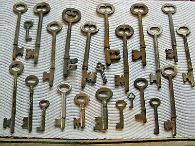 Collection Of Old And Antique  Keys From Large To Very Tiny.