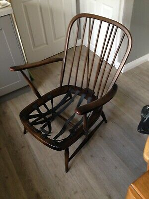 Ercol Windsor Armchair Spindle Back Vintage Mid-century For Refurbishment