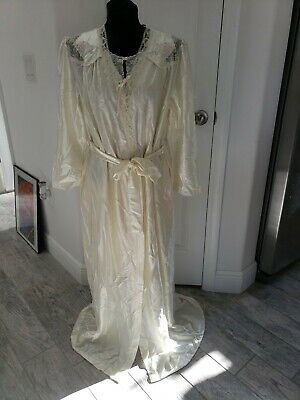 Vtg Lorraine Set Nightgown Robe Ivory Lace floral embroidered Nylon USA sz M L