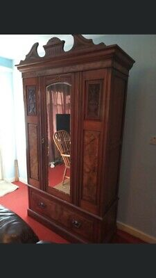 1880s Victorian Walnut Wardrobe With Burles Walnut Detailing