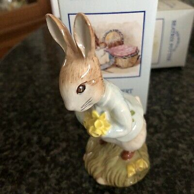 """Royal Albert Beatrix Potter Figure """" Peter With Daffodils """""""