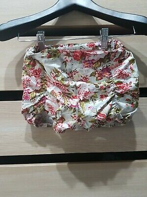 Lacey Lane Floral Puckers Shorts Size 6.