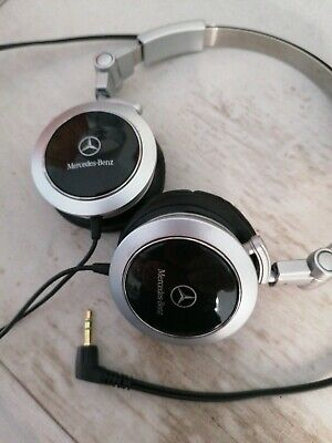 GENUINE MERCEDES REAR ENTERTAINMENT WIRED HEADPHONES 3.5mm WITH POUCH