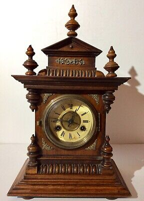 Late 19th JUNGHANS polished Oak chiming mantle clock