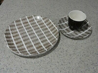 "Retro NZ Crown Lynn Pottery, 2 Dinner Plates, Side Plate & Cup, ""Tres Bon"", VGC"