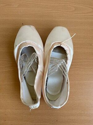used pointe shoes size 40(large)