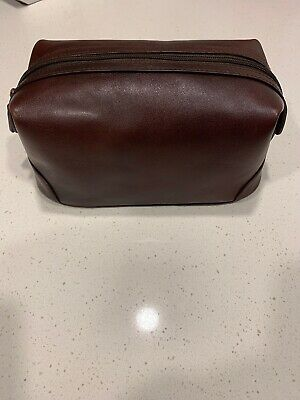 Bosca Essentials Leather Dopp Kit Toiletry Travel Bag