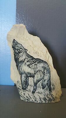 Wolf Decoration - On Stone Look