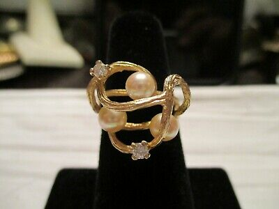 14 Kt Gold Pearl And Diamond Ring