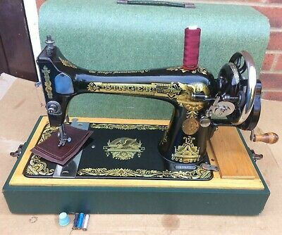 Singer 127K Antique/Vintage Handcrank sewing machine in green case FOR LEATHER
