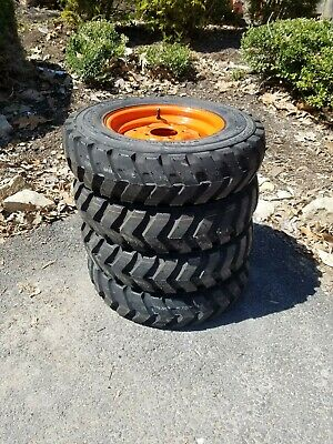 26X12.00-12 LRD 8PLY Rated Carlisle Trac Chief R-4 Industrial Skid Steer Tire
