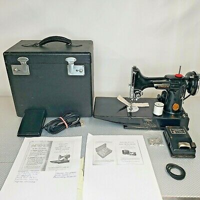Vintage 1946 Singer Featherweight 221-1 Portable Sewing Machine AG615765