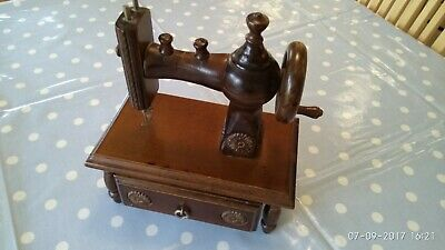 Sewing Machine.Wooden model for display or toy