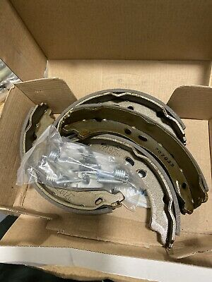 REAR PARKING BRAKE SHOE SET CITROEN Jumper  FIAT Ducato PEUGEOT Boxer All 06 On