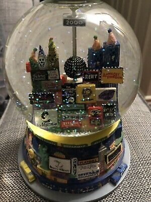 VTG 2000 New York City Broadway New Years Musical Snow Globe Twin Towers GUC