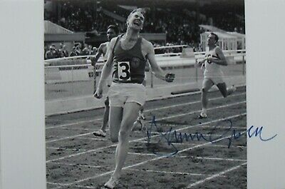 Roger Bannister 6 x 4 Hand signed autographed photo.