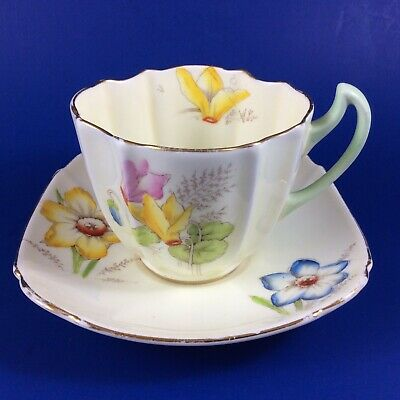 Vtg Paragon Cyclamen Hand Painted Fine Bone China Ivory Tea Cup And Saucer