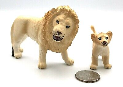 Schleich MALE WHITE LION & CUB Figures 42321 Water Hole Exclusive Rare!